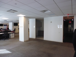 open-work-space-within-rockefeller-center