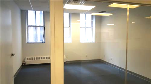private-office-with-glass-fronts-available-for-rent